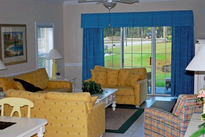 Living Area - 3BR Villa Near Beach! Still Looking? BOOK NOW! - Surfside Beach - rentals