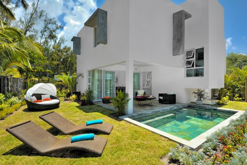 Coast Residence - Image 1 - Roches Noire - rentals