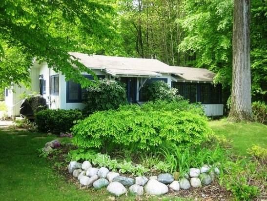 350 Brockway - Greenleaf Cottage- Stays begin on Fridays - South Haven - rentals