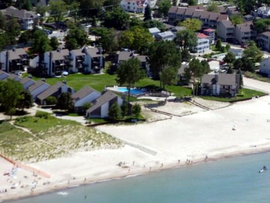 Bent Tree Condos - Bent Tree 16 - Weekly stays begin on Fridays - South Haven - rentals