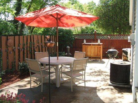 Outdoor Dining - 224 Van Buren - Weekly stays begin on Saturdays - South Haven - rentals