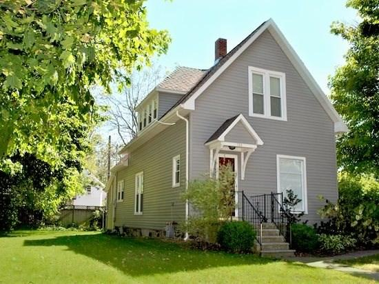 124 Clinton - 124 Clinton St - Summer rentals begin or end on Friday. - South Haven - rentals