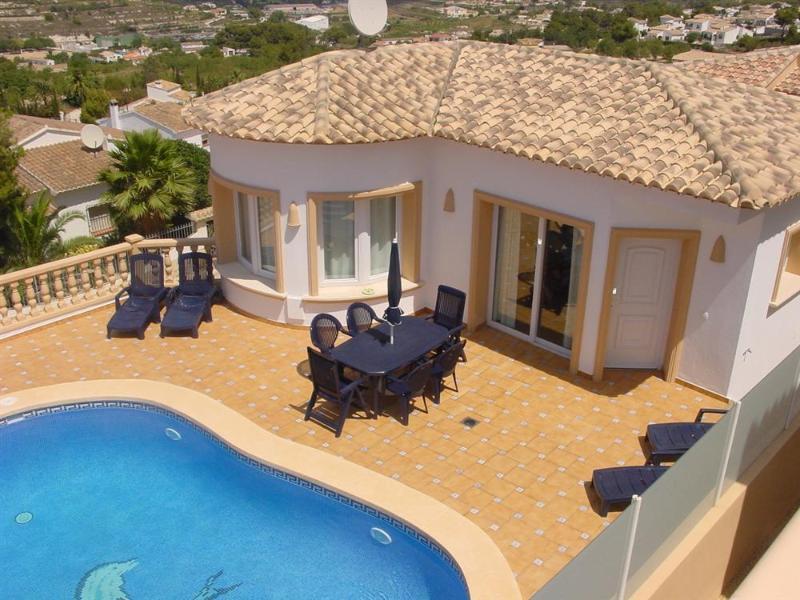 Pool area and terrace - Que Vida - 3 bedrooms, private pool, sea view, a/c - Teulada - rentals