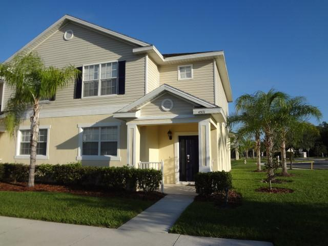 Front View of Townhome - Unwind in Comfort after Disney at Lovely Kissimmee Vacation Home! - Kissimmee - rentals