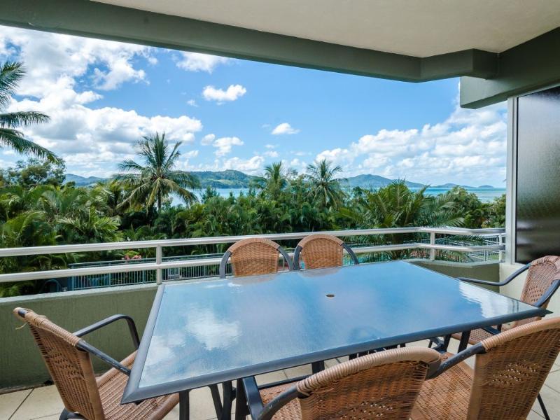 Balcony - Hibiscus 103 - Hamilton Island - rentals