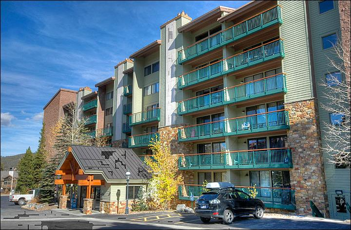 Located Slopeside and 1/2 a Block to Main Street - Ideal Slopeside Location - Two Blocks from Main Street (13294) - Breckenridge - rentals