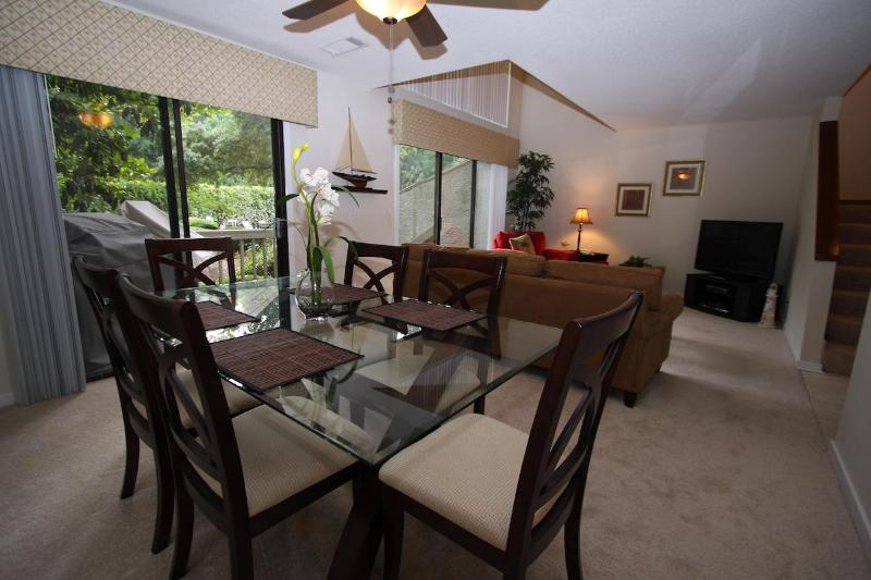 Dining Area - Winter Monthly Specials - Book Now! - Hilton Head - rentals