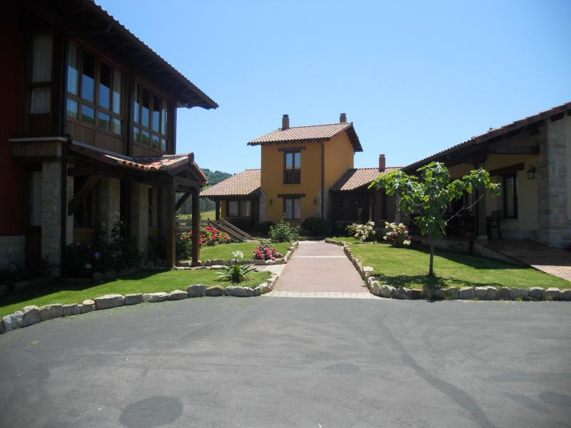 LA CALVERA - Spacious Apartments  Close To Picos De Europa - Parres - rentals