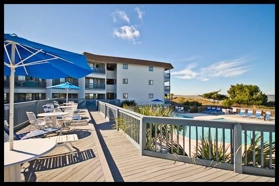 building complex - Ray`s Retreat - Tybee Island - rentals