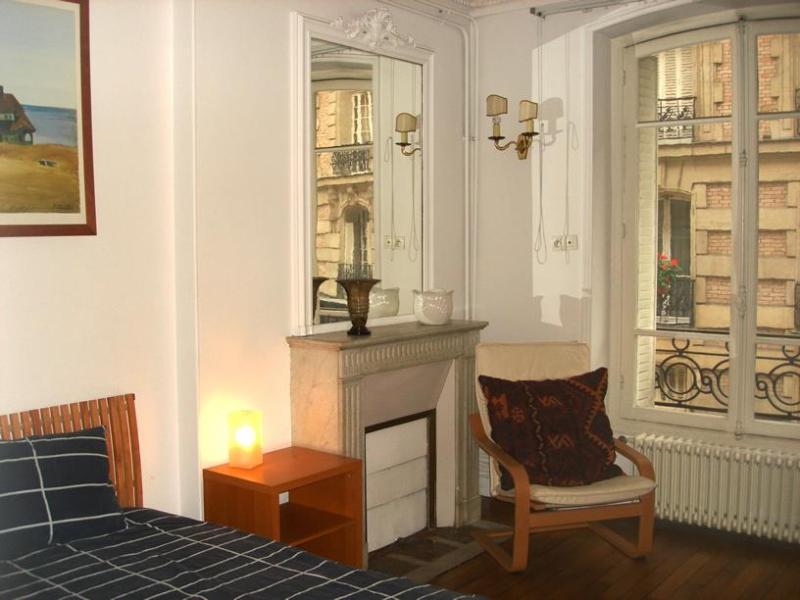 Arlette La Fourche Paris vacation rental for six - Image 1 - Paris - rentals