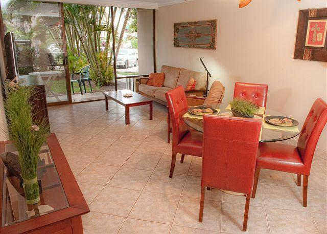 SUMMER SPECIALS! Ground Floor Condo just steps from Kamaole Beach Park - Image 1 - Kihei - rentals