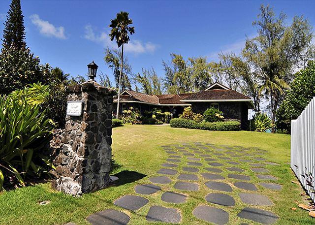 Hale Pohaku - Waimanalo - Restored Historic Beachfront Home - Waimanalo - rentals