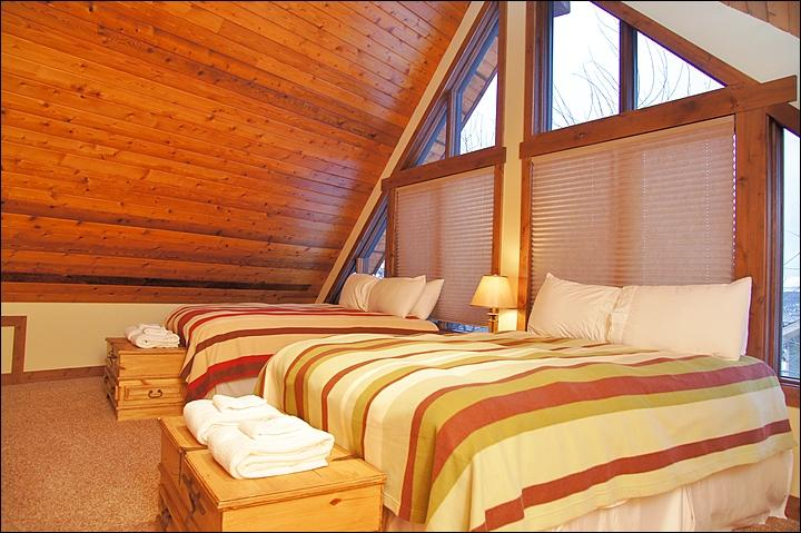 The Loft (2 Queens)... Great for older kids  (6+ yrs old) - Massive Steamboat Ski House with Incredible Views - Steamboat Springs - rentals
