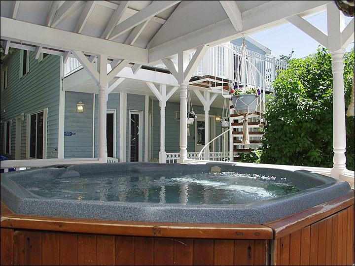 Single Family Home with covered Outdoor Hot Tub right outside - Old Town Location - Walk to Restaurants, Shopping - Great Value for Large Groups - Weekly Rates Available (3611) - Steamboat Springs - rentals