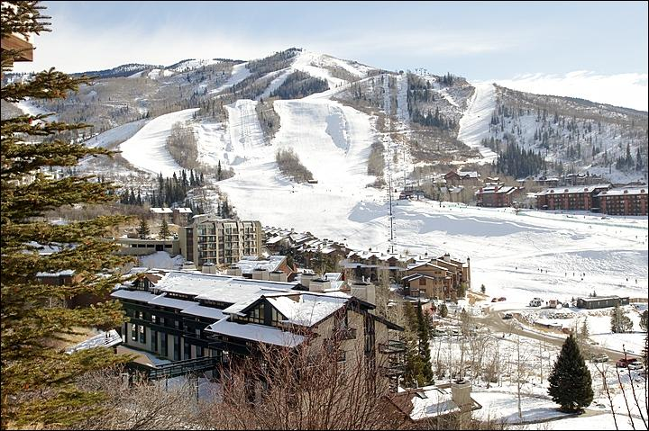 It is only about 100 yards between the building, lower left, and the slopes! - 100 Yards from Slopes & Lifts - Great Slope Views (4581) - Steamboat Springs - rentals