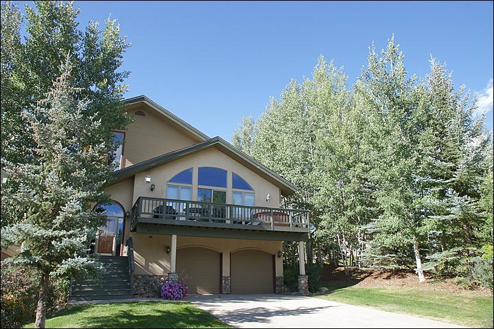 Exterior View of this  Private Home with large Deck & Private Hot Tub - Walking Distance to Gondola, Groceries - City Shuttle Service (3222) - Steamboat Springs - rentals