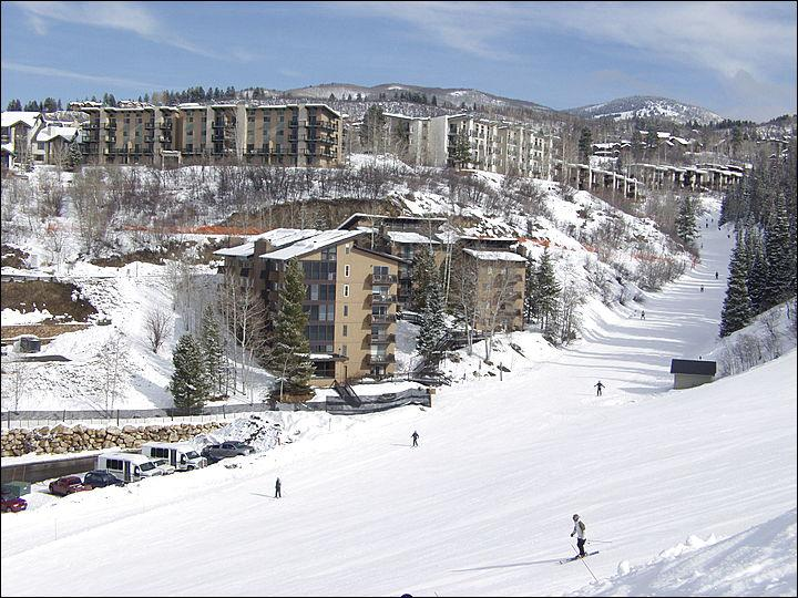 True Ski In Ski Out Location! - Newly Remodeled & Aggressively Priced - New Cabinets, Counters & Hardwood Floors (5460) - Steamboat Springs - rentals