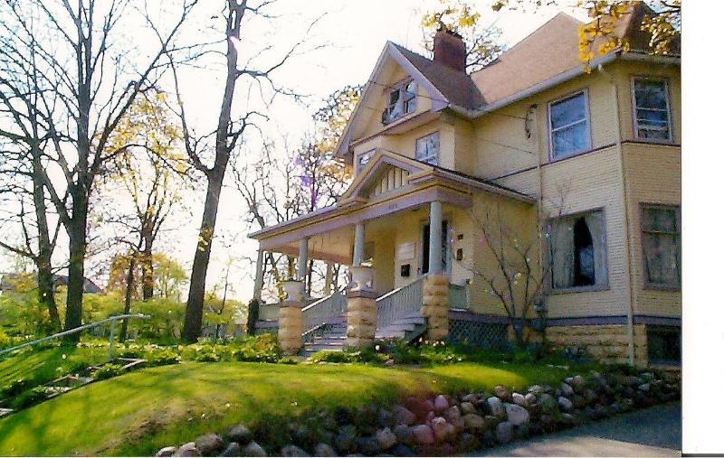 Scarlett House Victorian Bed & Breakfast - Image 1 - Janesville - rentals