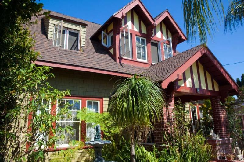 Historic Craftsman with Modern Kitchen and Bath - Zensational Historical Home near Downtown/Gaslamp - Pacific Beach - rentals