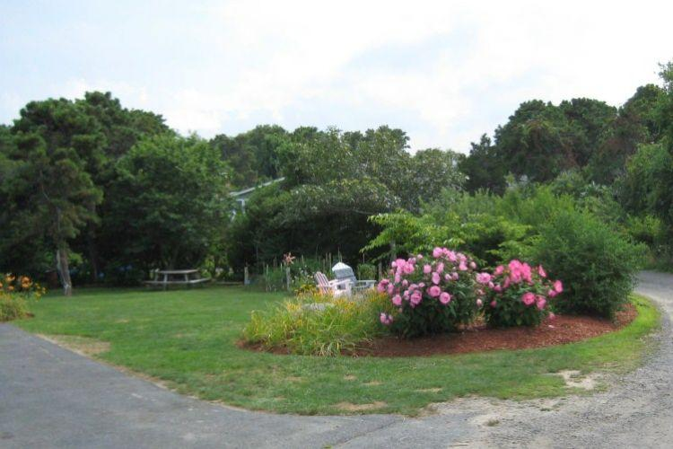 Lovely landscaped yard - 10 Captain Greaves - East Sandwich - rentals