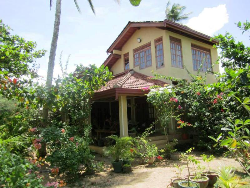 2 bedroom beach house in Tangalle - Image 1 - Tangalle - rentals
