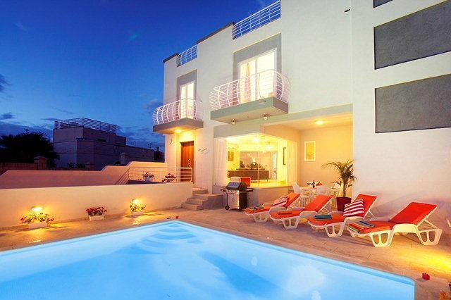 5 bedroom holiday Villa with pool in St.Julians - Image 1 - Saint Julian's - rentals