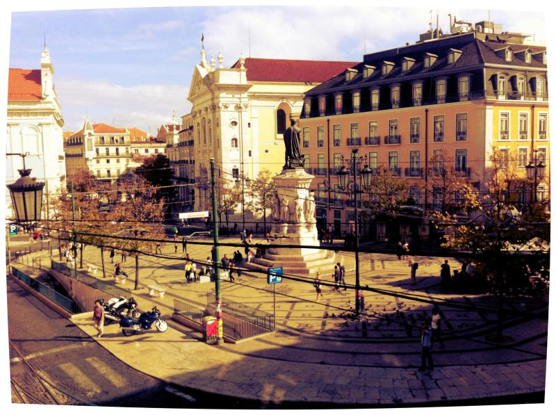 2 bedroom condo in the heart of Lisbon - Image 1 - Lisbon - rentals