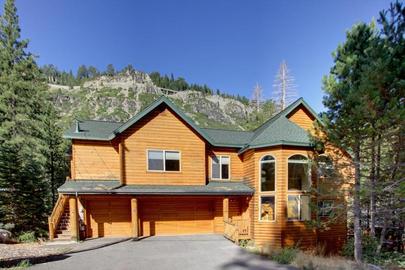 Our impressive log exterior welcomes you to mountain living. - Luxurious Log Home, 7 rooms with beds, 5 baths, game room, hot tub, sauna and more!! - South Lake Tahoe - rentals
