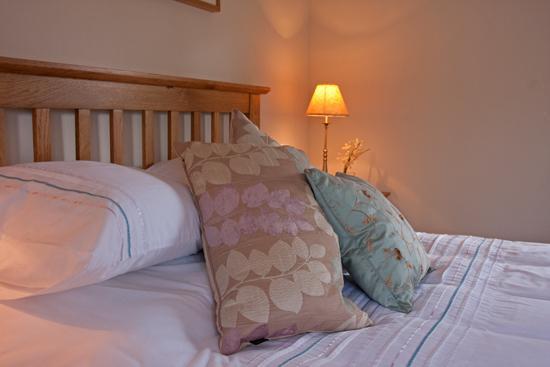 master bedroom - Off The Rails at Plockton Station - Plockton - rentals