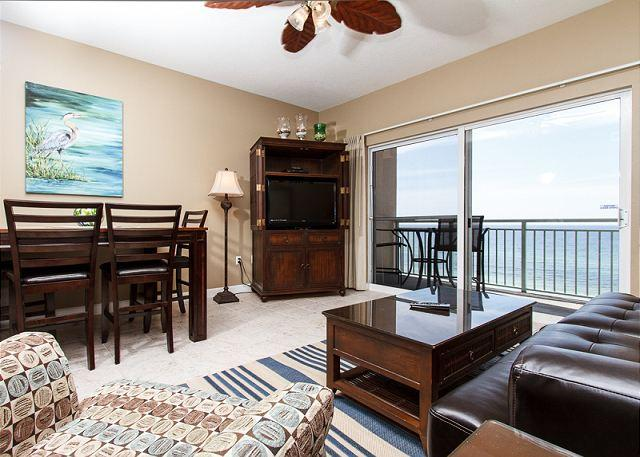 Pleasant living room with stunning views from the top floor unit - PI 605: Waterfront, 2BR, top floor, beachfront MBR,Free Beach Service - Fort Walton Beach - rentals