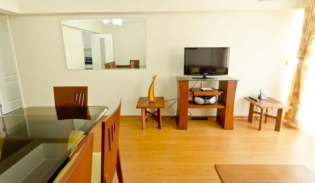 Living Area - Modern 2 Bedroom Apt in Heart of Miraflores - Lima - rentals