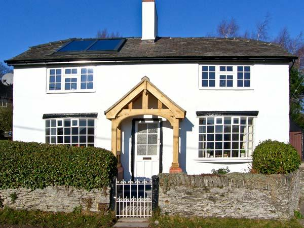THE LAURELS, family friendly, character holiday cottage, with open fire in - Image 1 - Oswestry - rentals