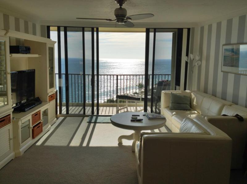 Living room overlook the ocean - Beach Home  with Spectacular Panoramic Ocean View - Jupiter - rentals