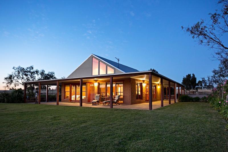 Little Bunda Cottage Wagga Wagga Australia - Image 1 - Wagga Wagga - rentals