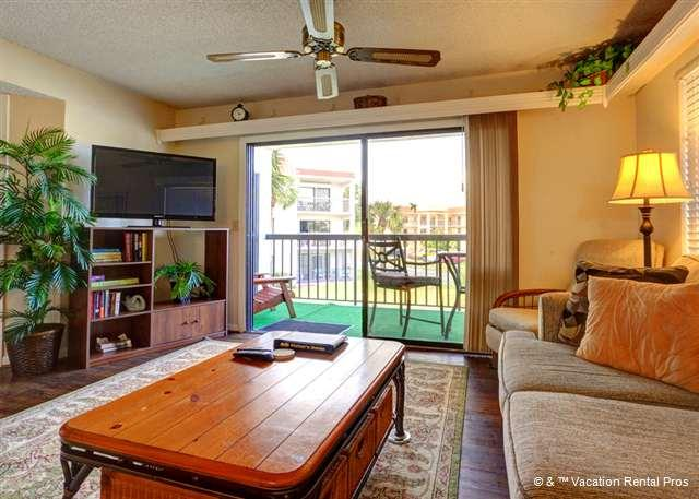 Every seat is the best seat in our living room! - Ocean Village G21, 2nd Floor, Screened Lanai, 2 pools - Saint Augustine - rentals