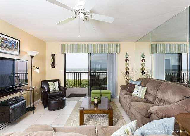 There's room for everyone in our ocean view living room - Windjammer 207 Luxury Beach Front, Newly Updated, Elevator, HDTV - Saint Augustine - rentals