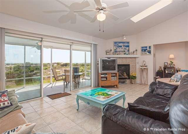 Chill out in our sunny living room - Ocean Drive Beach House, 3 Bedrooms Ocean Front - Saint Augustine - rentals