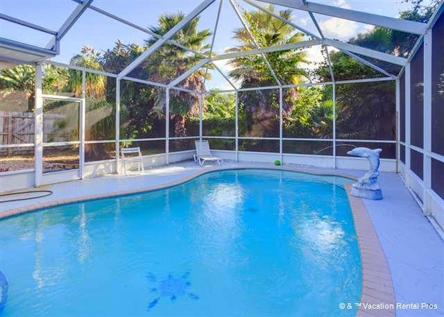 Our private pool is a relaxing vacation retreat! - Flamingo Venice House Heated Pool - New Furniture, HDTV, Wifi - Venice - rentals