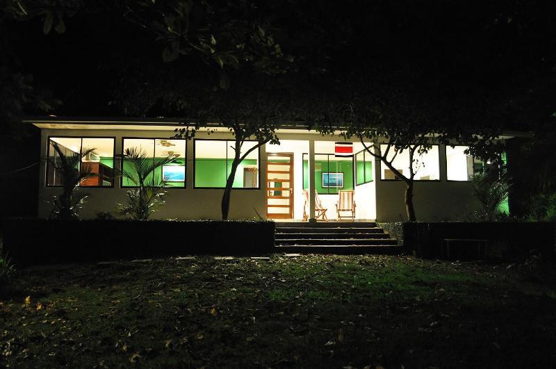 Casa Libertad - 2 Bdr, Ocean View, Beach Access, Modern Home - Manuel Antonio National Park - rentals