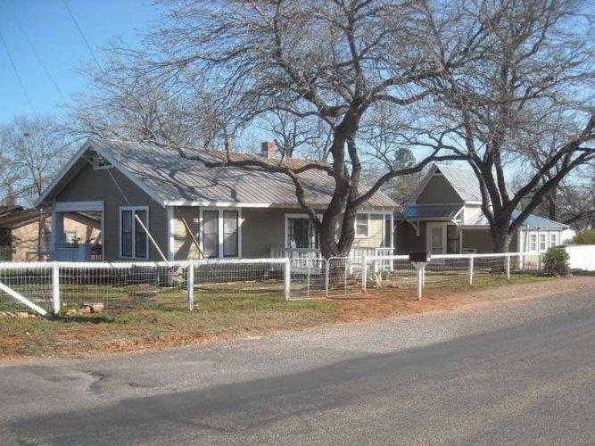 Post Oak Haus - Image 1 - Fredericksburg - rentals