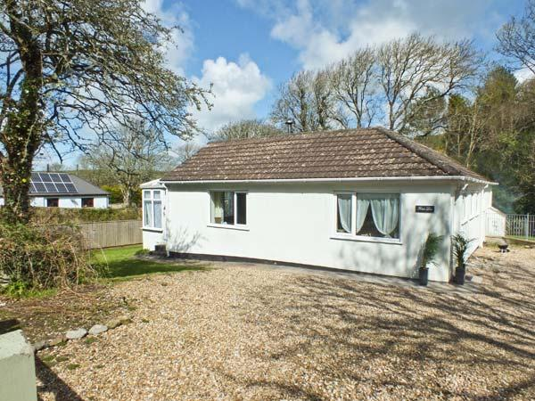 FERN LEA, family friendly, country holiday cottage, with a garden in Nolton Haven, Ref 13283 - Image 1 - Haverfordwest - rentals