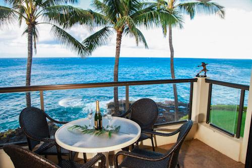 Picture yourself here, in the middle of the Pacific, trade winds blowing and you find yourself here. - Poipu Shores 303A OceanFRONT Elegance, 2BR/2BA, AC in MBR, Heated Pool. - Poipu - rentals