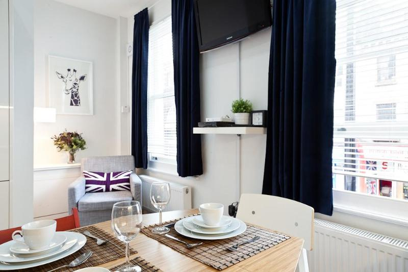 If you have any special requirements please feel free to get in touch - Trendy Two Bedroom Camden Apartment w/WIFI - London - rentals