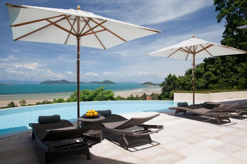 Unrivalled views of the Gulf of Thailand - Villa Serendipity includes Car - & Stunning Views - Koh Samui - rentals