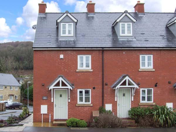 12 LIBRARY TERRACE, family friendly, country holiday cottage, with a garden in Dursley, Ref 12805 - Image 1 - Dursley - rentals