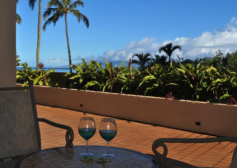 Clouds rim Molokai. Rainbows appear. Watch it all happen. - Beautiful View. Upgraded. True Kahana Beachfront. - Lahaina - rentals