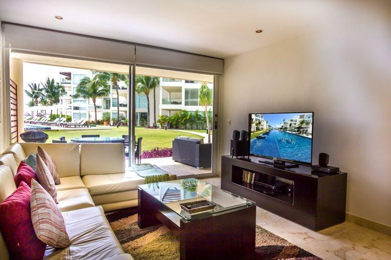 Garden House 10 - Upscale and Modern 2 bedroom at The Elements - Image 1 - Playa del Carmen - rentals