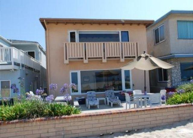 Prime location on the sand - Fantasic Upper Unit Oceanfront Home! Beautiful Views! (68269) - Newport Beach - rentals