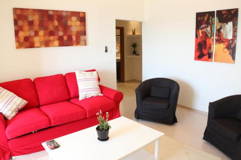 200 channels Cable T.V.  Free Private Wi-Fi.  Free Phone to all domestic calls. - S U N N Y  ✺  Seaside 1BR, 30sec to Gordon♒Beach! - Tel Aviv - rentals