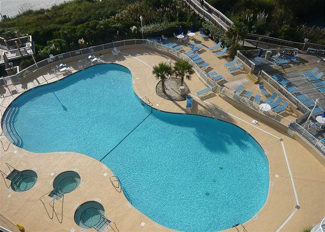Penthouse w/ great oceanfront views @ SeaWatch Towers #4 - Image 1 - Myrtle Beach - rentals